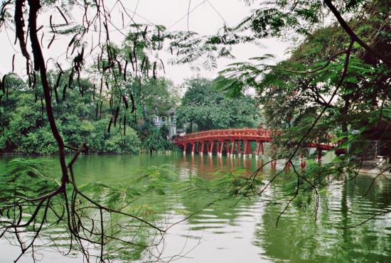 Die rote Brücke - Wahrzeichen Hanois