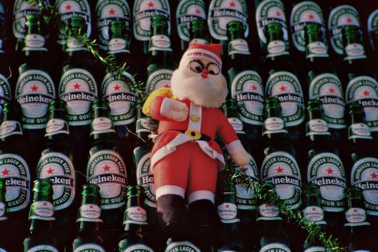 Prost Weihnachten - Heineken Weihnachtsbäume findet man in ganz Vietnam