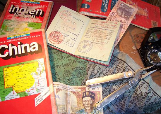 Martin 1998 auf dem Weg zum Mt Everest Basecamp - diese Ortliebtaschen habe ich noch. Neue gab es nach der Tour. Danke!