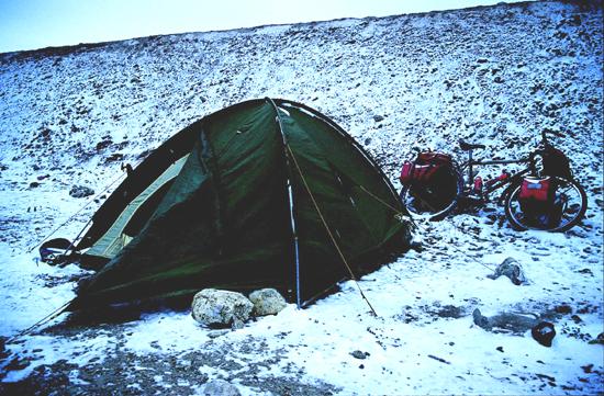 Mein erstes Space II - 1998 im Himalaya, als ein Schneesturm uns auf 4.900 m Höhe überraschte...