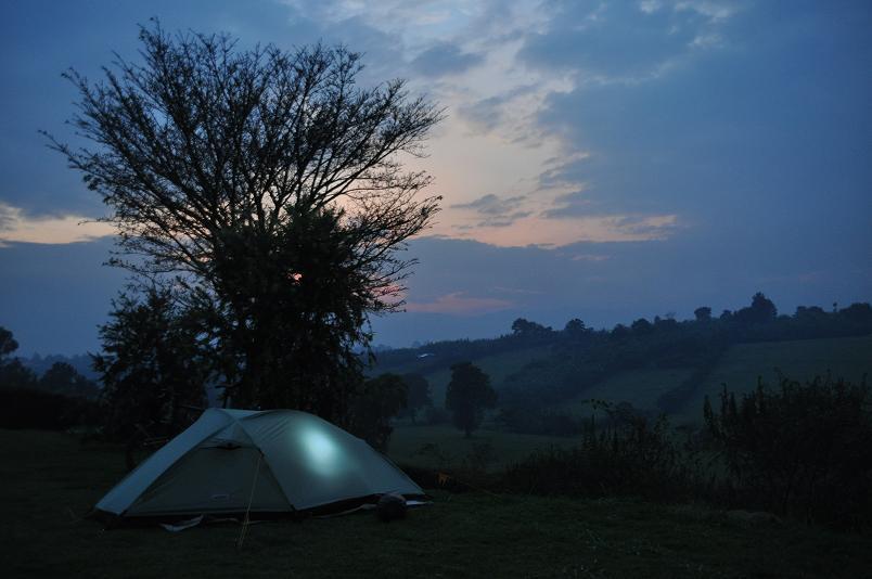 Zelten in Fort Portal am Fusse der Ruwenzori Mountains