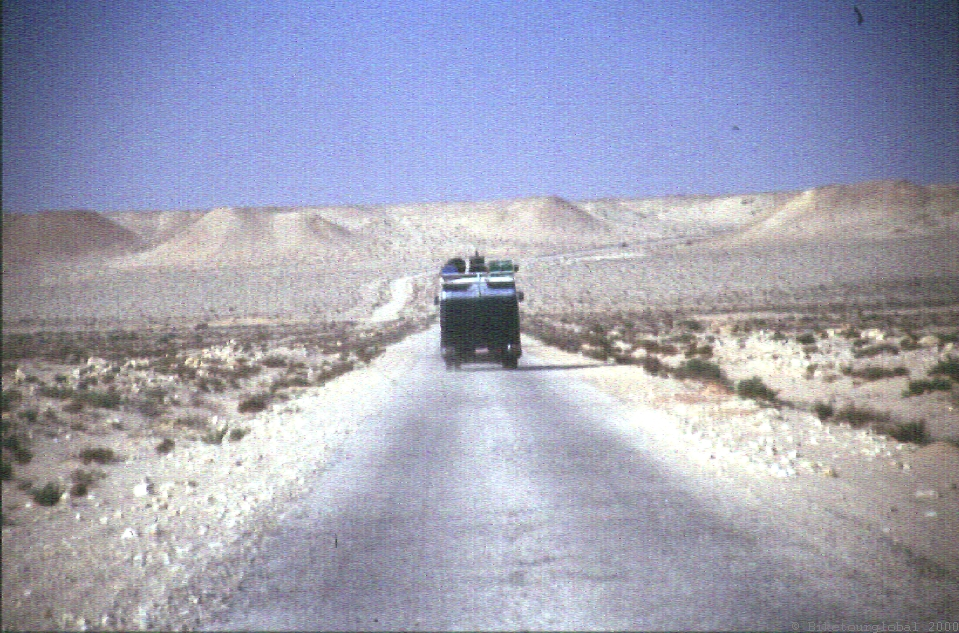 Im Konvoi durch das verminte Grenzland zwischen Westsahara und Mauretanien