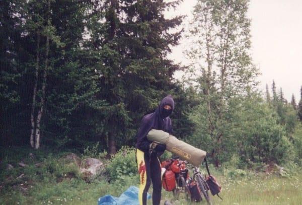 Mückenalarm in Skandinavien - nur vermummt lies es sich ertragen!