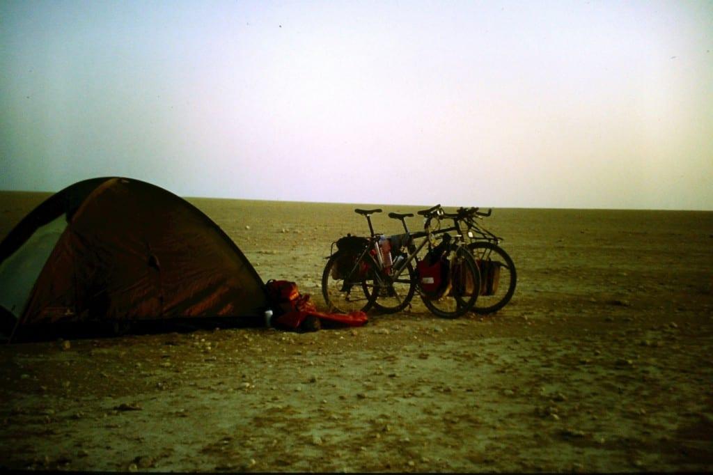Wüstencamp in Syrien - morgens schon sehen, wo man abends schläft