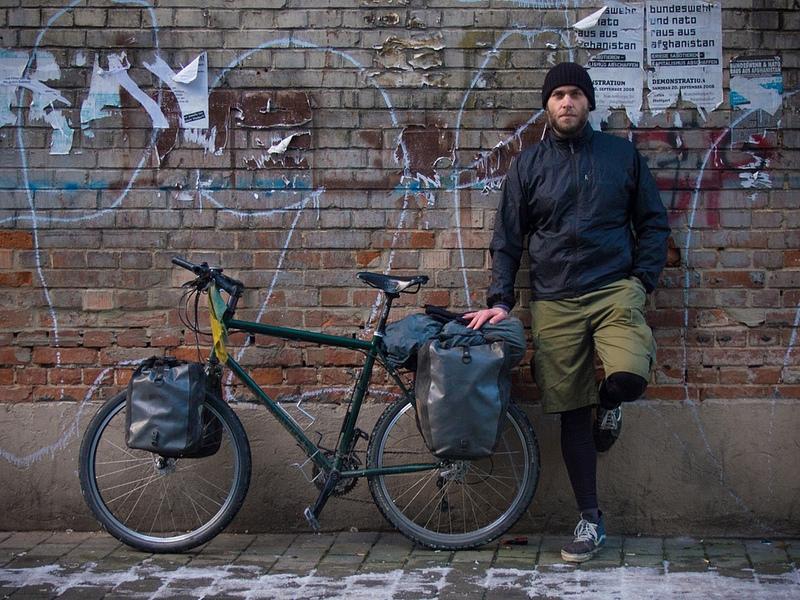 Andreas und sein Rad (Via Flickr http://www.flickr.com/photos/simon-adventures/10667231875/)