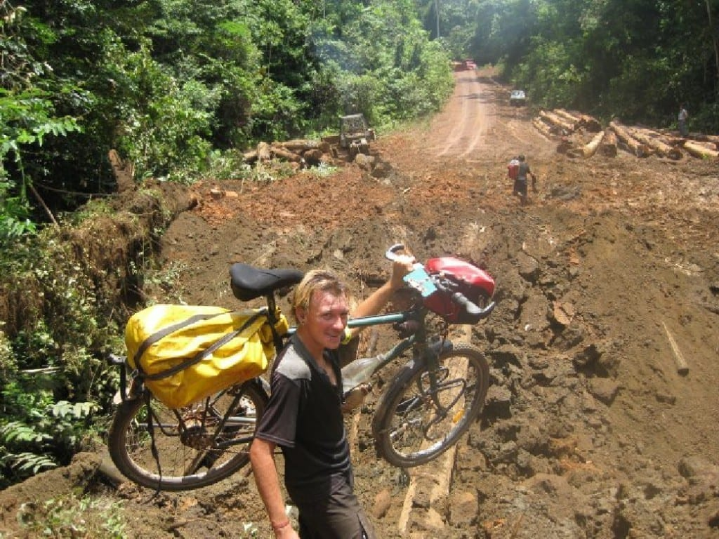 Markus mit seinem Rad irgendwo in Brasilien ©Markus Schorn
