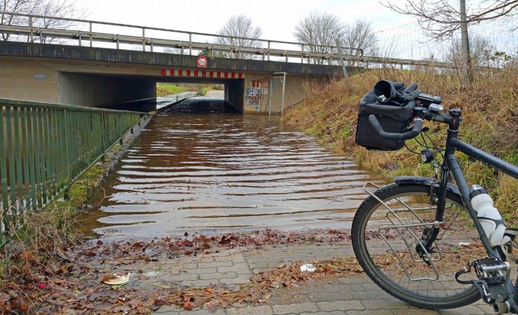 Einige Wege waren durch das Hochwasser nicht passiertbar