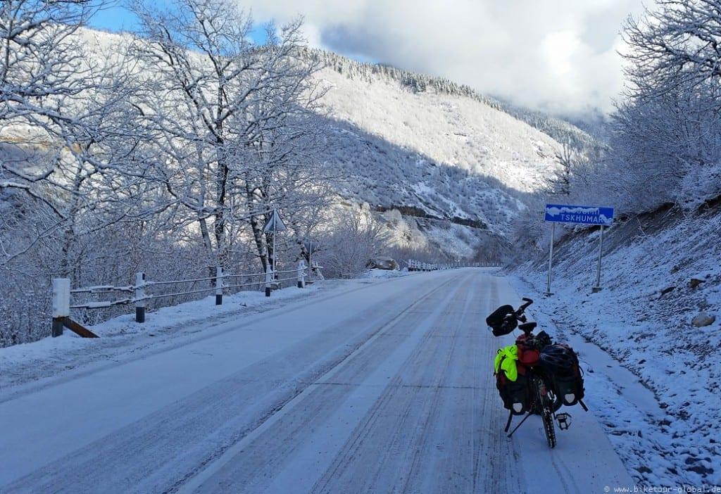 Auf Eis und Schnee nach Zugdidi