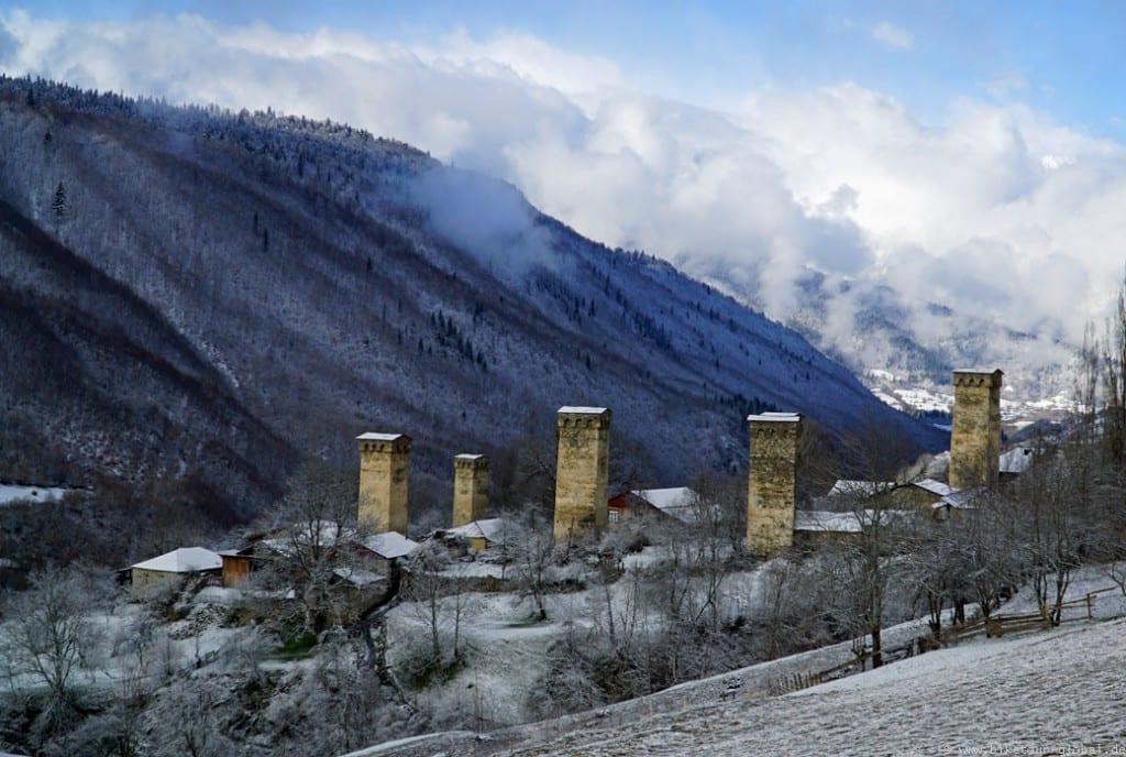 Ein typisches Dorf in Swanetien
