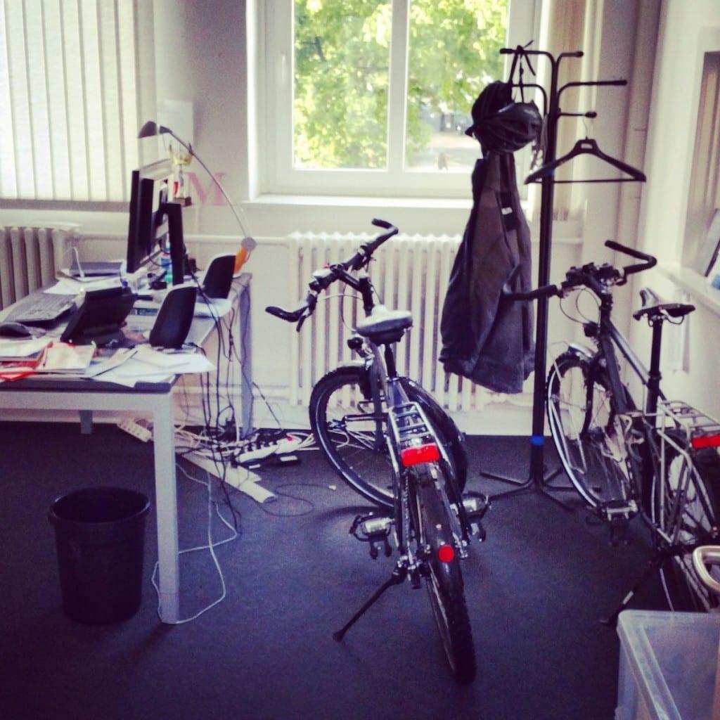 In meinem Büro ist genug Platz für meine Räder...