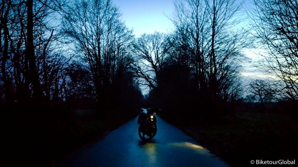 Im Winter zu Radeln heißt im Dunkeln fahren
