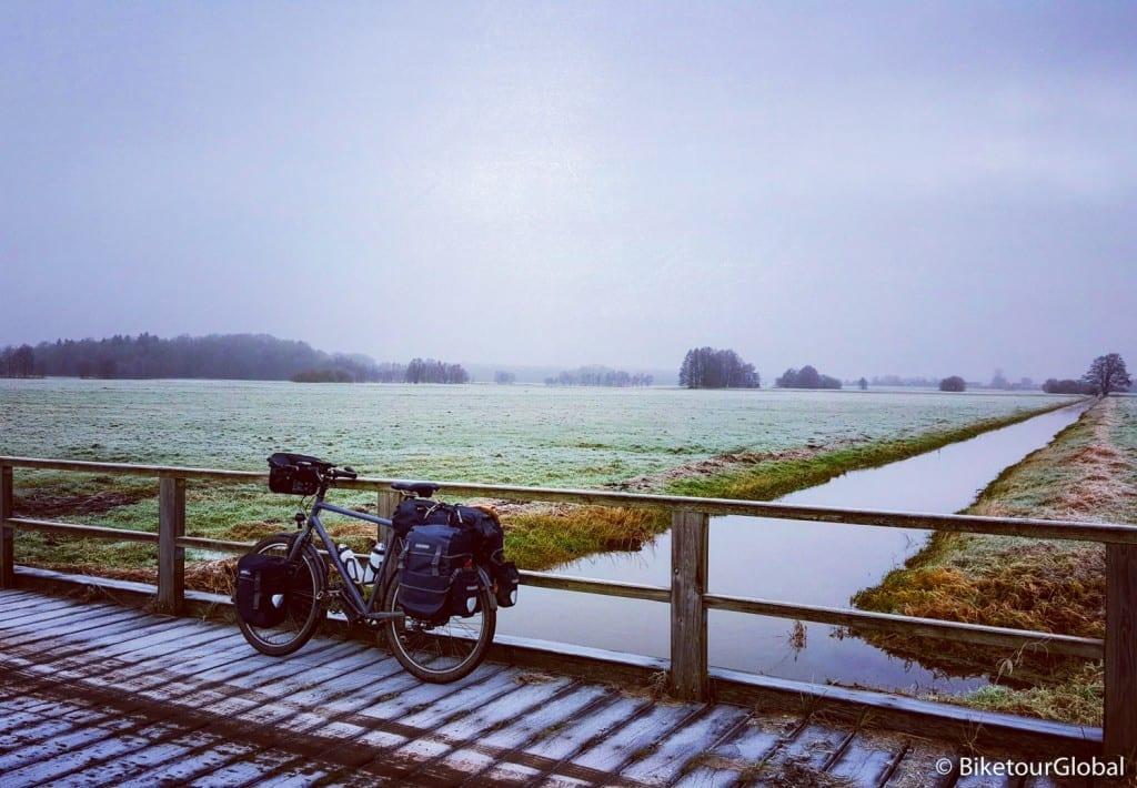 Endlich mal sowas wie Winter: Frost liegt über dem Land