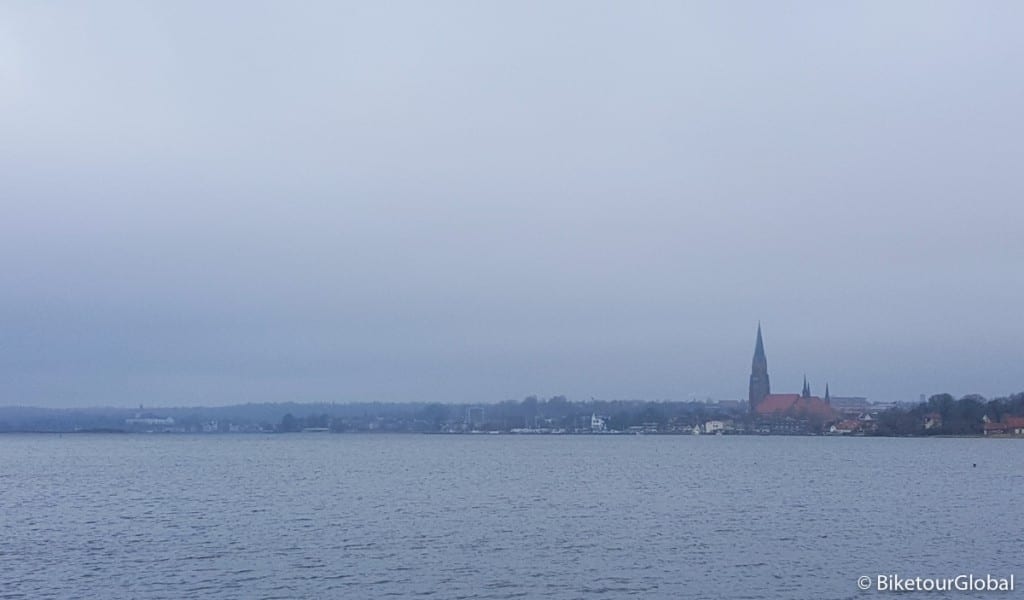 Schleswig im Regendunst