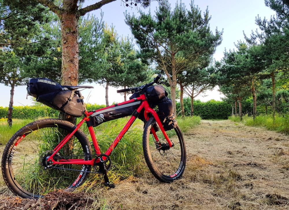 Mein Bikepacking Rad mit leichtem Gepäck
