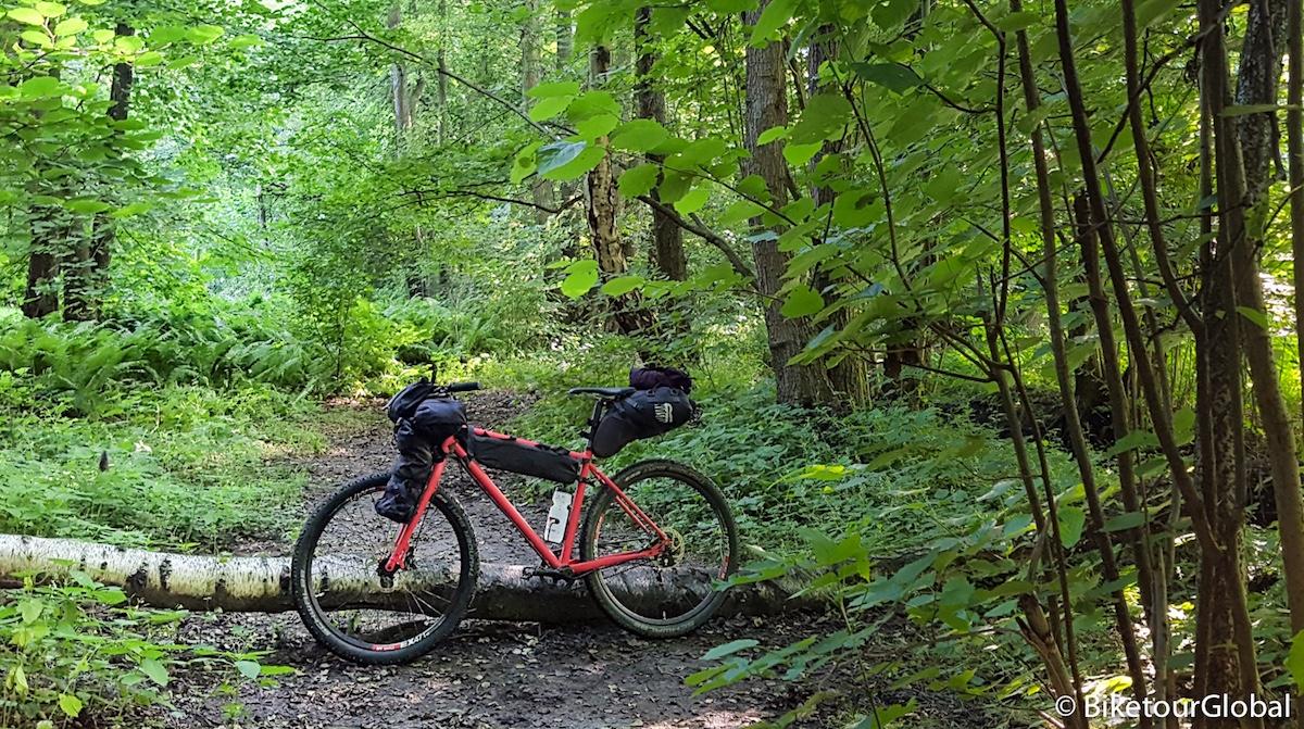 Das MTB Cycletech RAW mit Rusjan Taschen