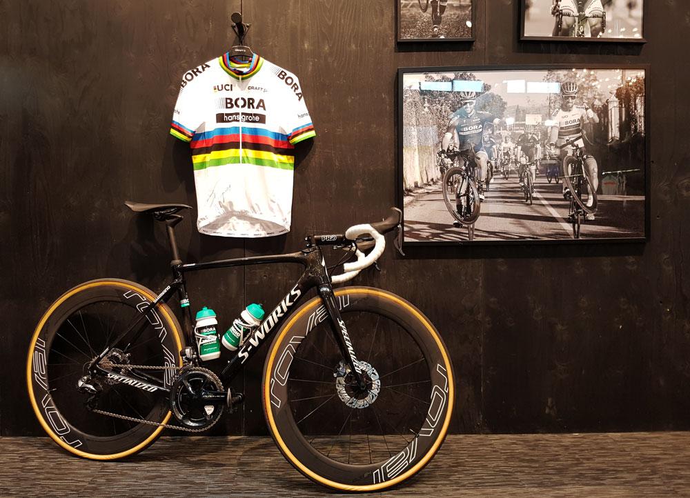 Peter Sagans Fahrrad und Trikot